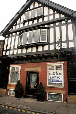 retail to let knutsford