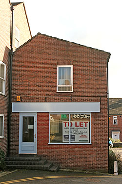 Shop unit to let knutsford